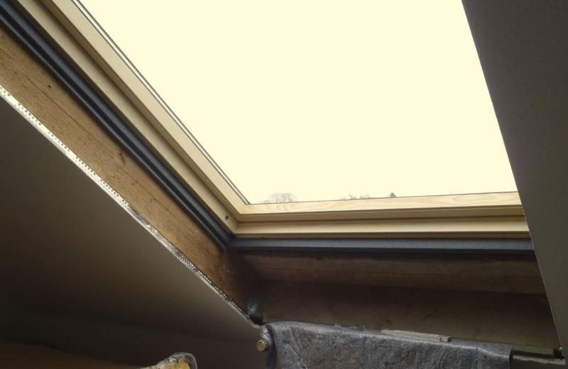 dachfenster dachfl chenfenster aussenrollos innenrollos. Black Bedroom Furniture Sets. Home Design Ideas